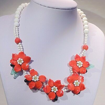 Vintage c. 1920s-1930s Art Deco red white glass beads poinsettia flower necklace
