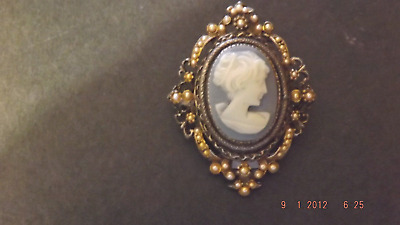CAMEO Blue & White in Oval Frame & Tiny Pearly Accents, Pin or Brooch, Elegant!!
