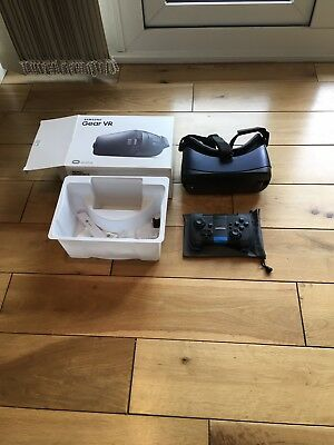 Samsung VR Headset With Bluetooth Controller