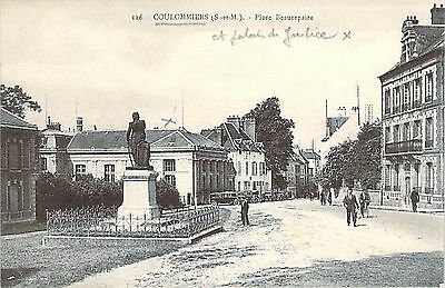 COULOMMIERS - Place Beaurepaire
