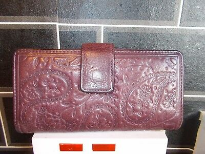 Ladies Dark Purple Fossil Soft  Real Leather Purse/wallet Clasp Closure
