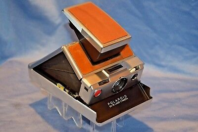 Polaroid Sx-70 Land Camera Excellent Condition Collectible Looks  New