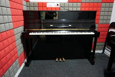 Yamaha LU-201C Upright Piano 1986