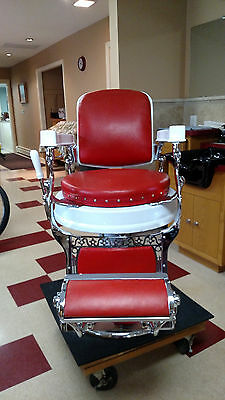 Beautifully Restored Antique Berninghaus Round Seat Barber Chair  4/13/1908