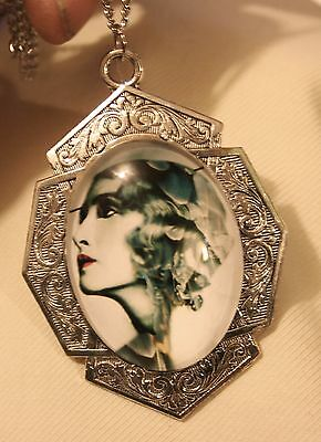 Gorgeous Art Deco-Inspire Dramatic Actress Model Lady Silvertone Cameo Necklace