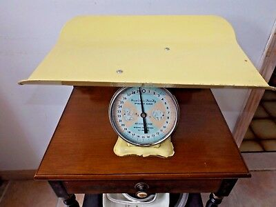 VINTAGE 1950's AMERICAN FAMILY 30lb BABY NURSERY WEIGHT SCALE Baby Shower Decor