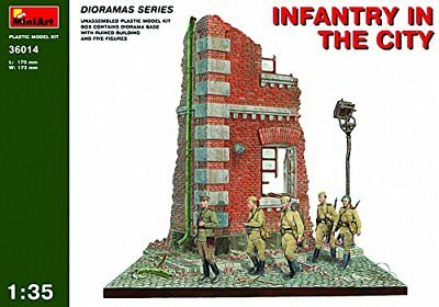 MiniArt 1/35 Infantry in the City Diorama Base with Figure Set (5 Figures)