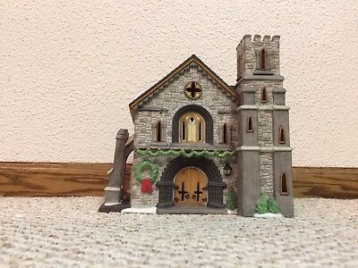 """REDUCED Dept. 56 """"Whittlesbourne Church"""" from the Dickens Village Series 58211"""