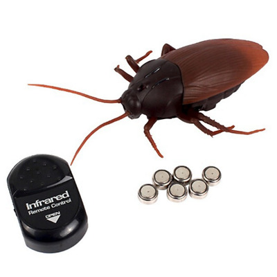 Cockroach Remote Control Scary Creepy Insect Toy Funny Simulation Infrared Joke
