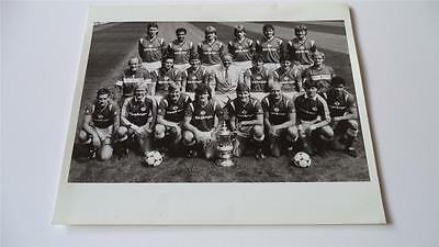 Manchester United Fc 1985 Squad With The Fa Cup Press Or Club Issued Photograph