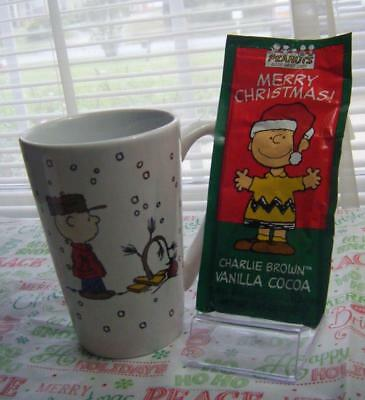Peanuts Charlie Brown Key Chain Merry Christmas Cup w/Cocoa Mix Candy Gift New!