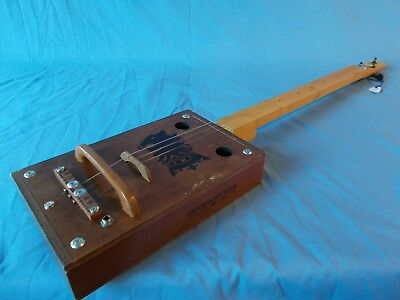 "cigarbox guitar el-acoustic ""Undercrown"" slide lapsteel fretless 8 fotos in text"