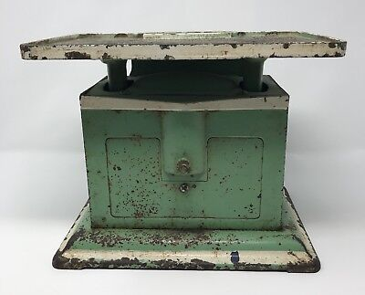 Antique Vintage Kitchen Green Universal Scale Farmhouse 60 LB Shabby chic
