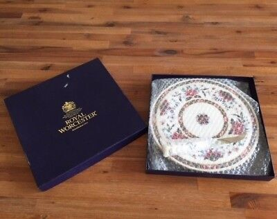 New in Box Rare Royal Worcester Prince Regent Cheese Platter and knife