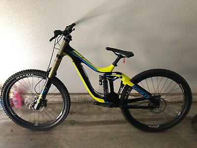 DOWNHILL BIKE CARBON frame Giant Glory Advanced 1 (Small) DH bicycle ...