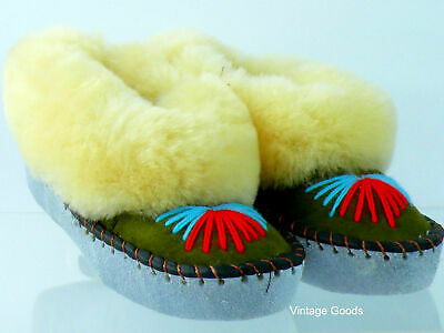 Girls/Boys Sheepskin Slippers Hand-Made Hand-Embroidered Leather Made Uk10,11,13