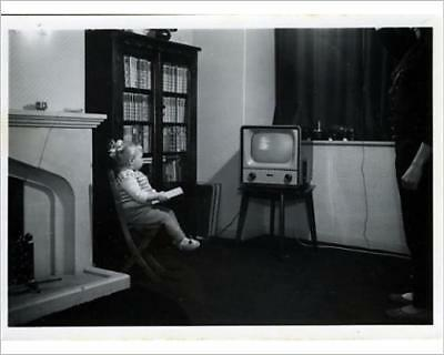 """10""""x8"""" (25x20cm) Print of Vintage Television from Prints Online"""