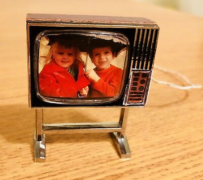 VINTAGE LUNDBY Light-Up Girls In The Rain TV!!  Transformer TESTED, It Works!