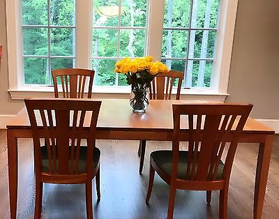 85% off!!! Huge sale Stickley 8 piece Dining Set - cherry wood- great condition