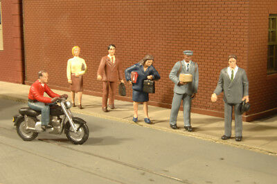 Bachmann 33151 O-Scale City People Plastic Figures (6)