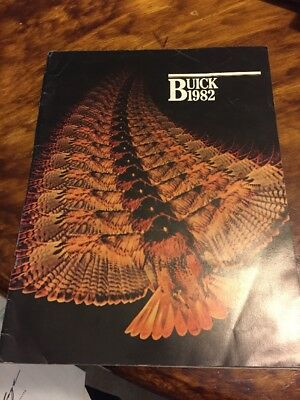 1982 BUICK Full Line Brochure Catalog With Model Engine Combinations