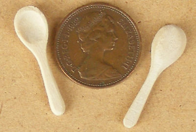 1:12 Scale Two Wooden Kitchen Spoons Dolls House Miniature Food Accessory