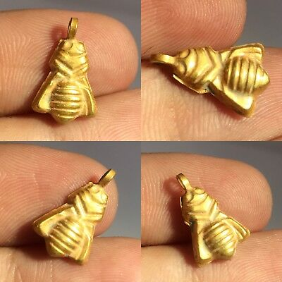 Wonderful Roman/Sassanian solid gold bee amulet circa 200-400 AD.