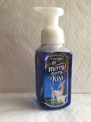 Bath & Body Works MERRY BERRY KISS Gentle Foaming Hand Soap 8.75 oz / 259 mL