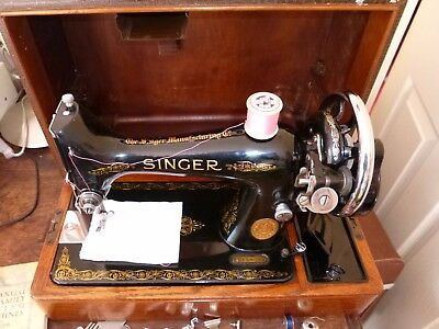 Immaculate Classic Singer 99K Hand Crank Sewing Machine With Case & Insts.