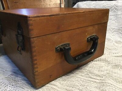 Vintage Wood Box Dovetail With Hinged Lid, Bakelite Handle, And Latches