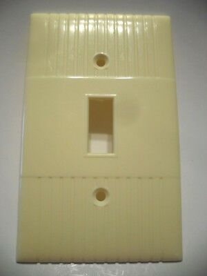 Vintage IVORY Wide Ribbed Toggle SWITCH Wall Cover Plate Donwood U.S.A. Kenskill