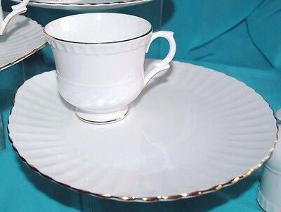 Vtg Crown Staffordshire England Bone China Tea Cup Luncheon/snack Plate Set