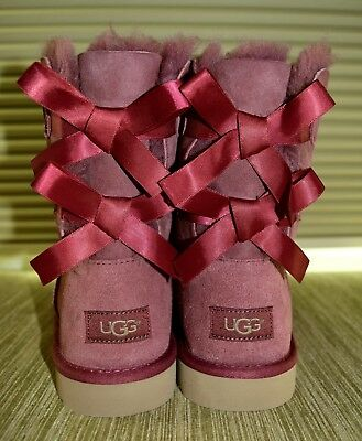 Ugg Australia Bailey Bow 3280Y Genuine Shear Sheepskin Size 5 Youth = 7 Women