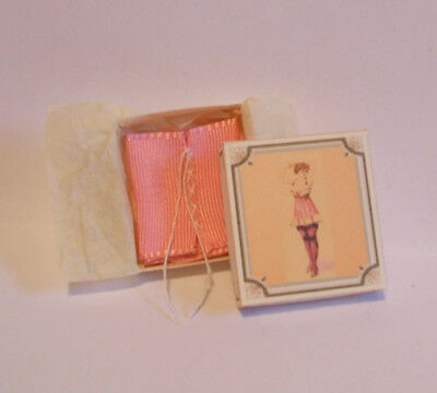 Dollhouse miniature Boxed corset - Vintage pink