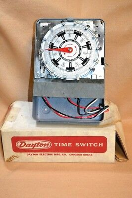 Unused in Box, Dayton 7 Day Time Switch, 40 AMPS - 123 Volts, 2 Pole Timer