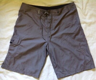 HURLEY men's GREY PIN STRIPED SIZE 34 board shorts SWIMMERS surf swim PANTS