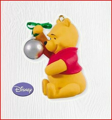2010 Hallmark POOH REFLECTS ON CHRISTMAS Ornament Disney Winnie