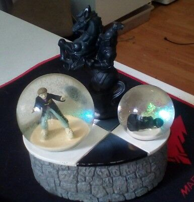2001 Harry Potter Musical Wind Up Snow Globe Chess Board Knight