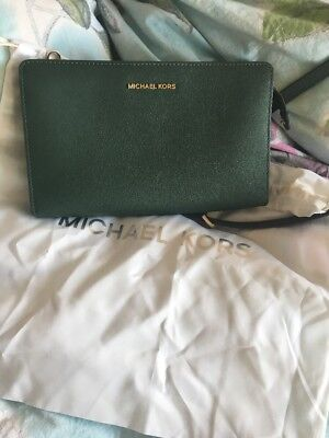 Michael Kors Jet Set Clutch💚practically Brand New💚with original dustbag!💚