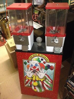 Vintage Clown Arcade Vending Machine -  Blows up Balloons - 25 cents