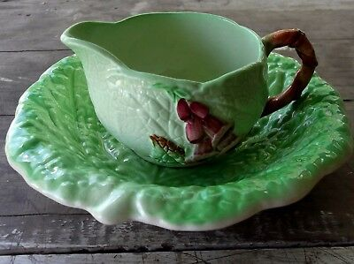 lovely mint pair ROYAL WINTON GRIMWADES leave jug & dish.