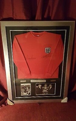 Framed England 1966 World Cup Signed Shirt Signed By Geoff Hurst /Martin peters