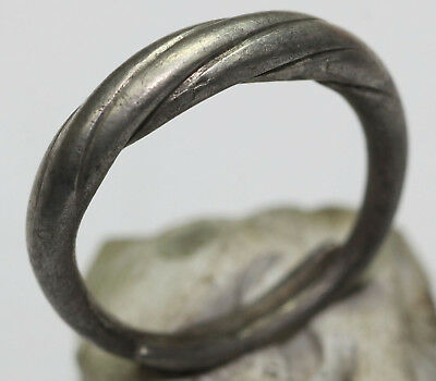 Viking Twisted SILVER  finger ring MUSEUM CONDITION BIG SIZE