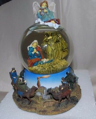 San Francisco Music Box Snowglobe Little Town Of Bethlehem Christmas Nativity