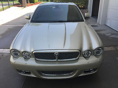 2008 Jaguar XJ  Jaguar XJ 4dr Sedan (4.2L / 8cyl / 300HP / 6 Speed Automatic / RWD)