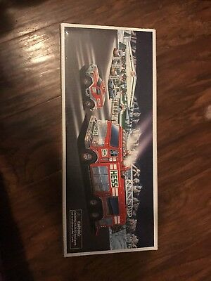 Hess 2005 Emergency Truck With Rescue Vehicle Nib !