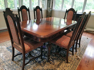 Antique Solid Wood Dining Table and 6 Chairs in the Style of Kittinger