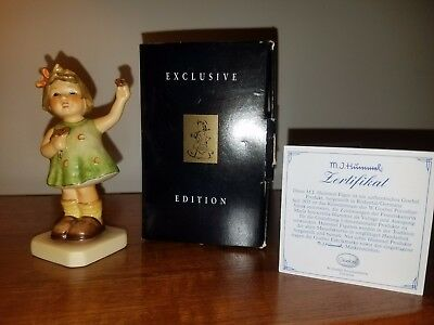 1994 Goebel Hummel Collector Club Forever Yours #793 TMK-7 Figurine w/ Box