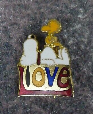 VTG Love Snoopy Woodstock Peanuts Pin / United Feature