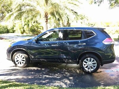 2015 Nissan Rogue S 2WD 2015 Rouge 18k Miles. Two Owner. Runs & Drives Great. Florida Rebuilt Title